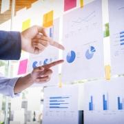 استراتژی تجاری یکی از عوامل مؤثر بر کارایی سرمایه گذاری میتواند بصورت استراتژی تدافعی و آینده نگر باشد