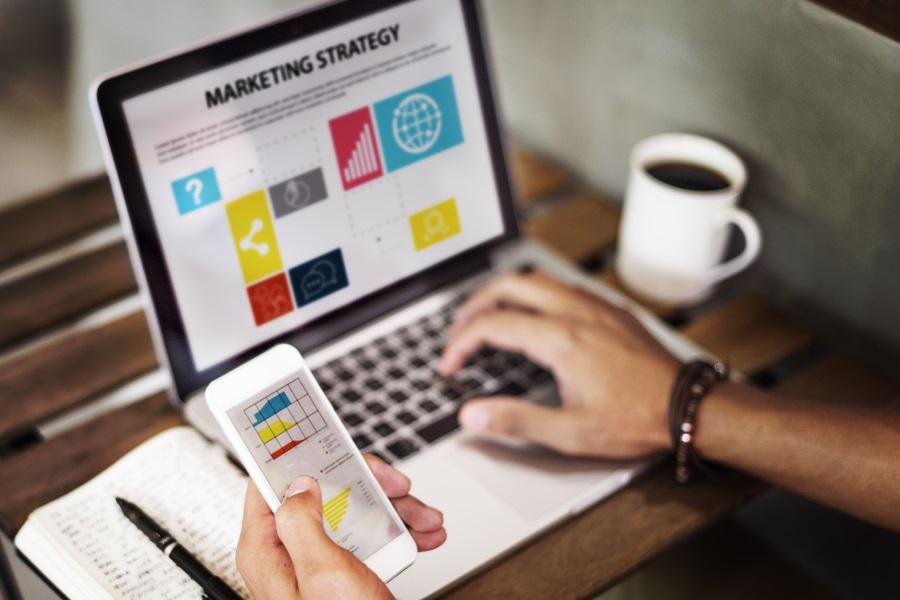 مدیریت بازاریابی چیست؟ فرآیند مدیریت بازاریابی و فروش در سازمان چگونه ایجاد میشود