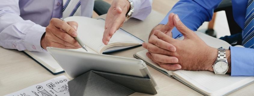 در این مقاله قصد داریم به معرفی خدمات مشاوره مدیریت استراتژیک در بنگاههای اقتصادی بپردازیم؛ اصول کار و شرح وظایف خدمات مشاوره مدیریت استراتژیک در سامان شامل مواردی همچون تحلیل، تدوین، برنامه ریزی، کنترل و ارزیابی میشود که میتواند خدمات مشاوره ای در اجرا و پیاده سازی استراتژی های سازمانی را در برگیرد.